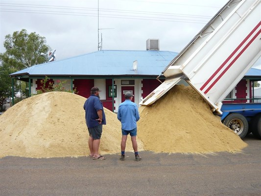 Australia Day in Yalgoo - dumping sand Aus day